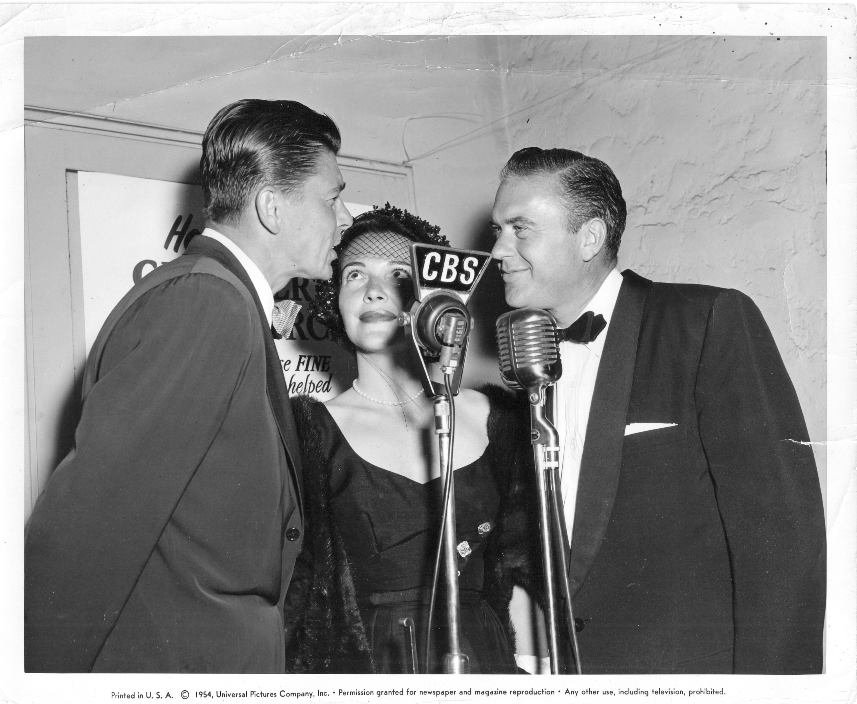 George Fisher With Ronald & Nancy Reagan.jpg